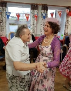 cherylettes-sing-and-dance-with-residents-sml