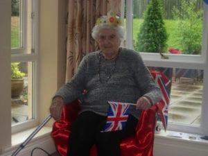 HG Royal Knees up - Rita Berry