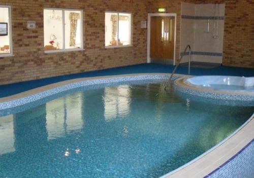 Sutton Court Swimming Pool