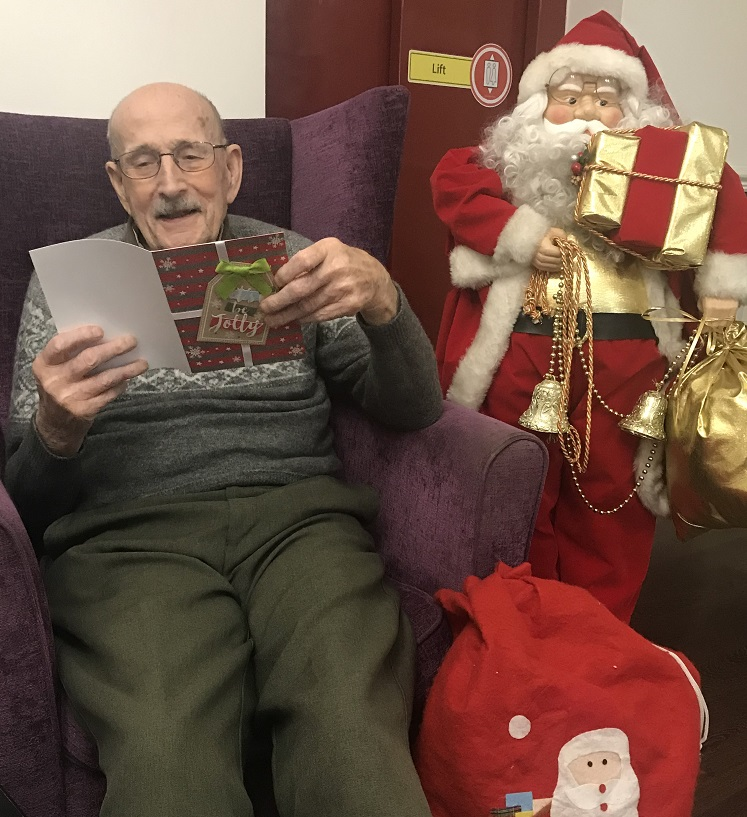Aden Lodge resident in Christmas Card Appeal