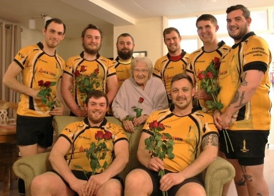 care home resident and local rugby team on valentine's day